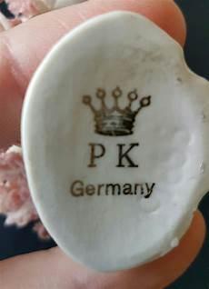 porzellanmarke n mit krone kennt jemand die marke p k germany mit einer krone an