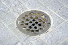 Wasser Aus Waschbecken Kommt In Der Dusche Hoch 187 Ursachen