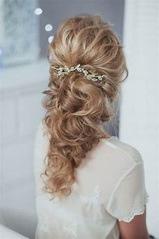 18 lovely wedding hairstyle with bridal headpieces from enzebridal deer pearl flowers