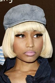 nicki minaj straight platinum blonde bob hairstyle steal