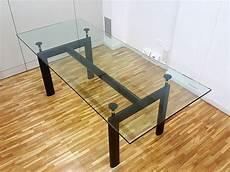 table le corbusier en m 233 tal et verre