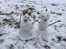 schneemann und schneefrau kinderkrippe