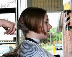 haare für einen tag färben f 252 r den sommer gibt es einen kurzen bob und kurz rasiertem