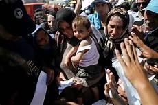 extracomunitari senza permesso di soggiorno bonus bebe anche a figli di migranti senza permesso di
