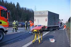 Unfall A8 Gestern - schwerer unfall auf der a8 polizeiberichte teckbote
