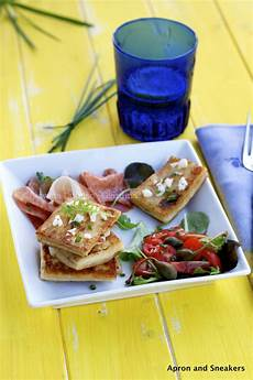 scamorza in carrozza apron and sneakers cooking traveling in italy and