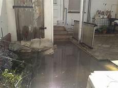 Wohnung Unter Wasser - wasser soweit das auge reicht was tun bei einem