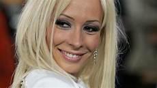 Cora Schumacher Ist Offenbar Frisch Verliebt In Rocker Lenox