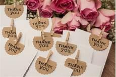 Kleine Geschenke Für Hochzeitsgäste - diy wedding favors for every season brit co
