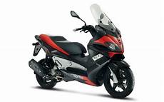 Aprilia Sr Max 125 2011 2013 Review Mcn