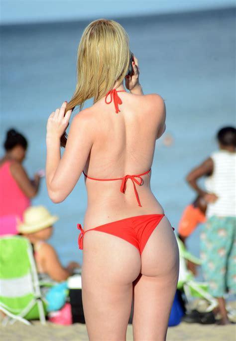 Sabrina Lynn Nude Pics