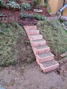 Kleine Treppe Bauen - diy anleitung f 252 r einfache gartenstufen aus holz so k 246 nnt