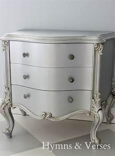 décaper un meuble peint easy silver metallic paint technique white shabby lil