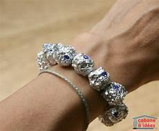 fabriquer bracelet perle un bracelet en perles brillantes papier d alu cabane 224 id 233 es