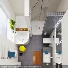 bad mit dusche und badewanne kleine badezimmer gr 246 223 er machen finde ideen bei