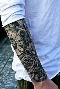 Arm Tattoos Männer - ideen f 252 r tolle schwarze tattoos f 252 r m 228 nner auf uhr