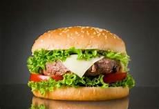 photo de hamburger hamburgers au boeuf et au cheddar fondant coup de pouce