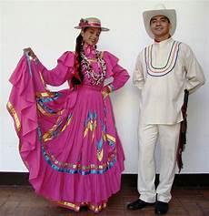 a honduran couple in honduras in traditional dresses