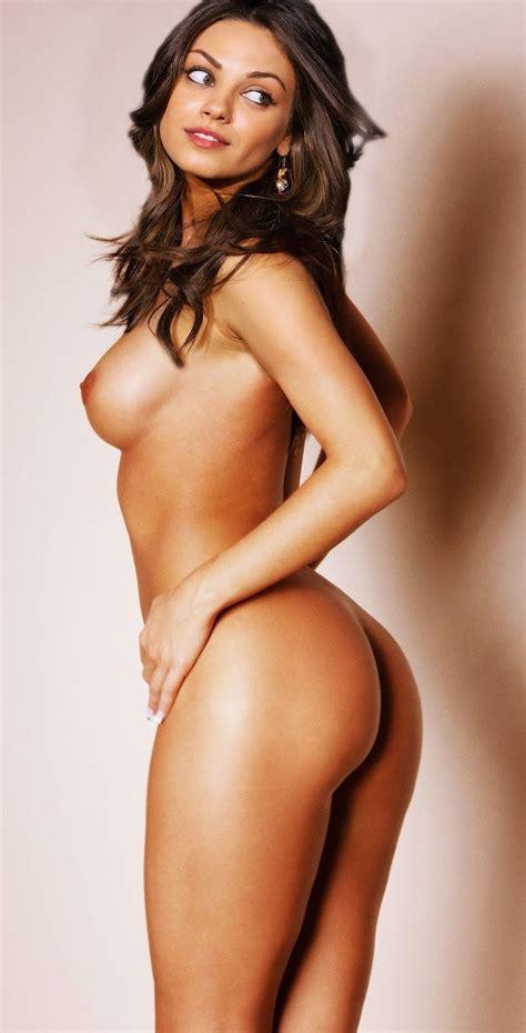 Julianna Guill Sexy