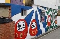 Lucu Tembok Desa Di Taiwan Digambari Berbagai Tokoh Kartun