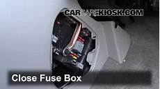 replace fuse for a 2007 saturn vue interior control de fusible interior en saturn vue 2002 2007 2004 saturn vue 3 5l v6