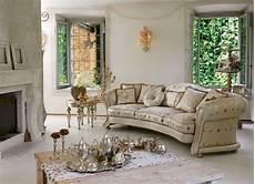 divani classici di lusso divano classico di lusso dalla forma sinuosa idfdesign