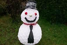 come fare un pupazzo di neve con bicchieri di plastica pupazzo di neve fai da te con bicchieri di riciclo donnad