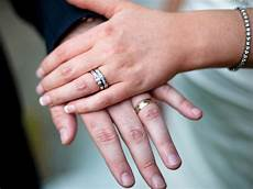 couples who are married or in civil partnerships more likely to be happy study says the