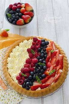 ricetta crostata al mascarpone e frutti rossi paneangeli crostata morbida con frutta fresca e crema diplomatica ricetta ricette dolci ricette torte