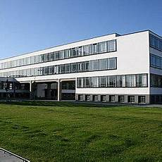 bauhaus building by walter gropius 1925 26
