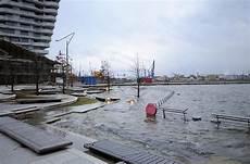 9144 0937 Die Marco Polo Terrassen In Der Hafencity Stehen