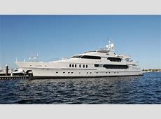 tiger woods yacht photos