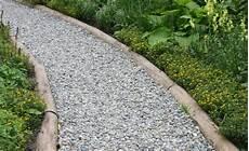 gartenwege gestalten naturstein gartenwege gestalten naturstein suche gartenweg garten und garten pflaster