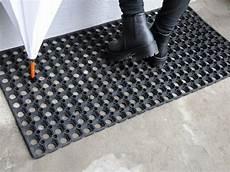 tappeto zerbino outlet gt zerbino gomma forata tappeto su misura