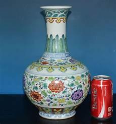 China Porzellan Antik - stunning antique doucai porcelain vase marked