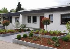 Moderne Vorgärten Bilder - moderne vorgartengestaltung mit klaren formen aus edelen