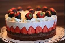 S 252 223 E S 252 Nden Erdbeer Schoko Torte