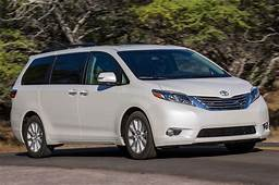 2015 Toyota Sienna Limited Front Three Quarter In Motion1
