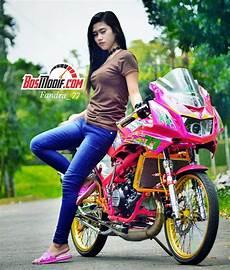 Warna Pelek Motor Keren by 30 Foto Gambar Modifikasi Motor Kawasaki Dan Cewek