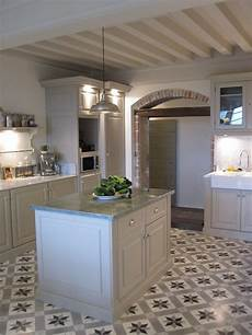 cuisine et maison boutique cuisine carreaux de ciment cuisine cagne chic