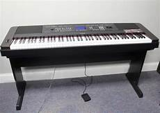 Yamaha 88 Key Portable Grand Piano Keyboard Weighted Dgx