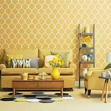 tapeten mit muster wohnzimmer tapeten design geometrisch muster in gelb dekor