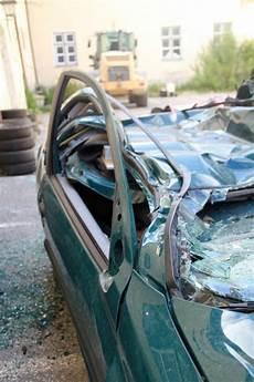 wirtschaftlicher totalschaden auto verkaufen wann ist ein unfall ein wirtschaftlicher totalschaden
