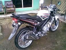 Modifikasi Vixion 2011 by Vixion Putih Jari Jari Modifikasi Yamaha Vixion Putih 2011