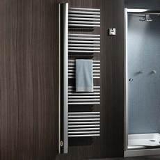 radiateur electrique salle de bain radiateur s 232 che serviettes pour salle de bain les barres