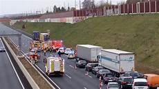 Dueren Magazin De Merzenich Schwerer Verkehrsunfall Auf