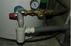 chauffe eau qui coule mon chauffe eau 233 lectrique coule sans arr 234 t