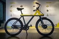 vanmoof s electric bike takes on hellish tokyo