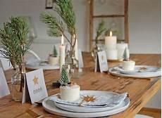 Weihnachtliche Tischdeko Bilder - wir zeigen die sch 246 nsten dekoideen f 252 r deine tischdeko an