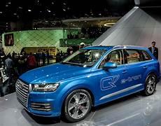 Der Neue Audi Q7 2015 Gesehen Auf Dem Autosalon Genf